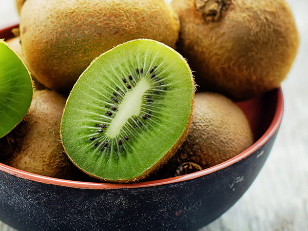 What Is A Kiwi Fruit A Cross Between?